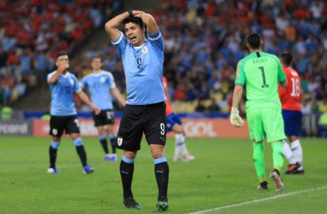 Chile bi day vao the kho sau tran thua Uruguay hinh anh 11