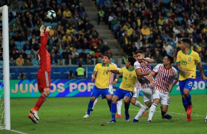 Brazil chat vat vao ban ket Copa America sau loat luan luu may rui hinh anh 25