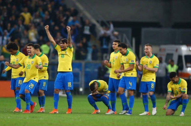 Brazil chat vat vao ban ket Copa America sau loat luan luu may rui hinh anh 29