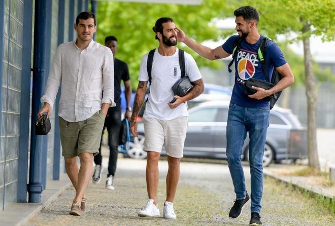 Casillas tro lai tap luyen anh 1