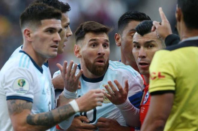 HLV tuyen Brazil: 'Messi xuat sac nhung nen chap nhan that bai' hinh anh 1