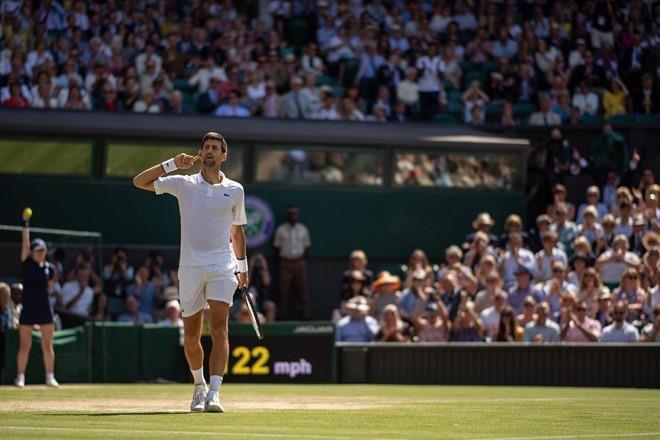 Djokovic vs Federer: Vo chong Hoang tu William du chung ket Wimbledon hinh anh 6