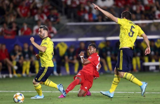Sao tre toa sang giup Arsenal danh bai Bayern Munich hinh anh 19