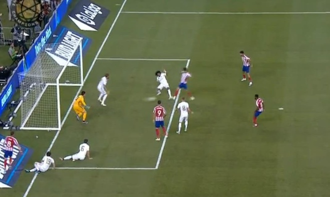 Real Madrid 3-7 Atletico Madrid: Diego Costa lap poker roi nhan the do hinh anh 12