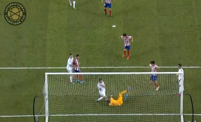 Real Madrid 3-7 Atletico Madrid: Diego Costa lap poker roi nhan the do hinh anh 26