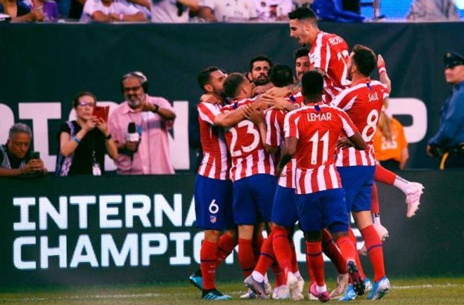 Real Madrid 3-7 Atletico Madrid: Diego Costa lap poker roi nhan the do hinh anh 11