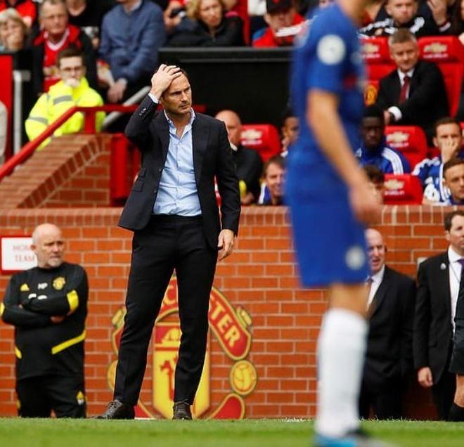 Rashford lap cu dup, MU vui dap Chelsea tren san nha hinh anh 28