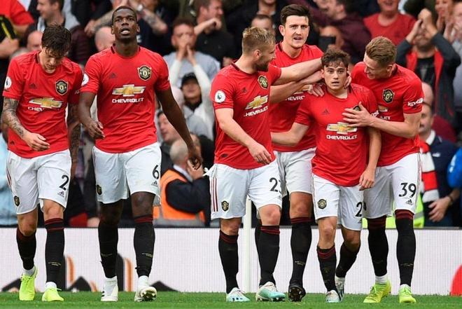 Man Utd thang Chelsea 4-0 anh 1