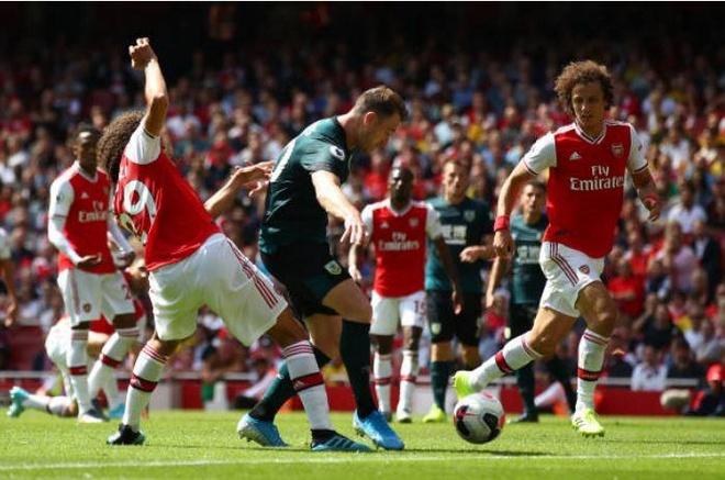 Thang Burnley, Arsenal lap thanh tich chua tung co sau 10 nam hinh anh 21