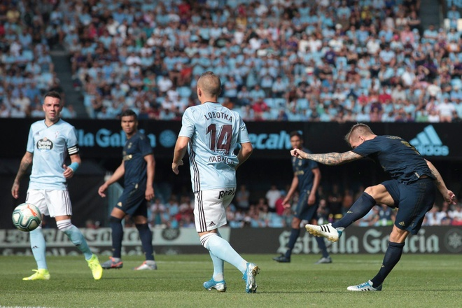 Gareth Bale toa sang, Real Madrid thang cach biet Celta Vigo hinh anh 33