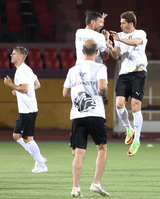 Quang Hai lap cu dup, CLB Ha Noi thang Altyn Asyr 3-2 tai AFC Cup hinh anh 2