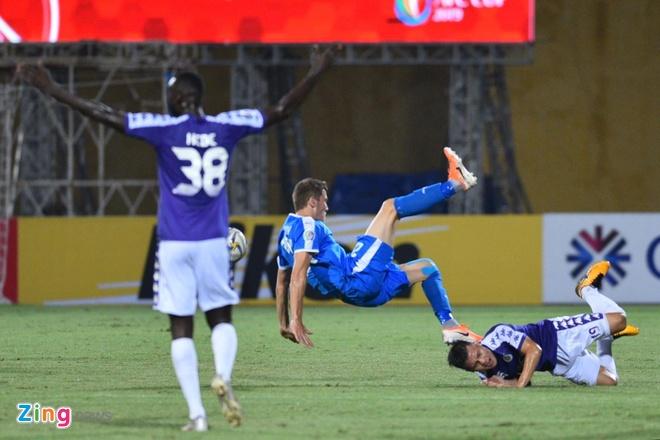 Quang Hai lap cu dup, CLB Ha Noi thang Altyn Asyr 3-2 tai AFC Cup hinh anh 19