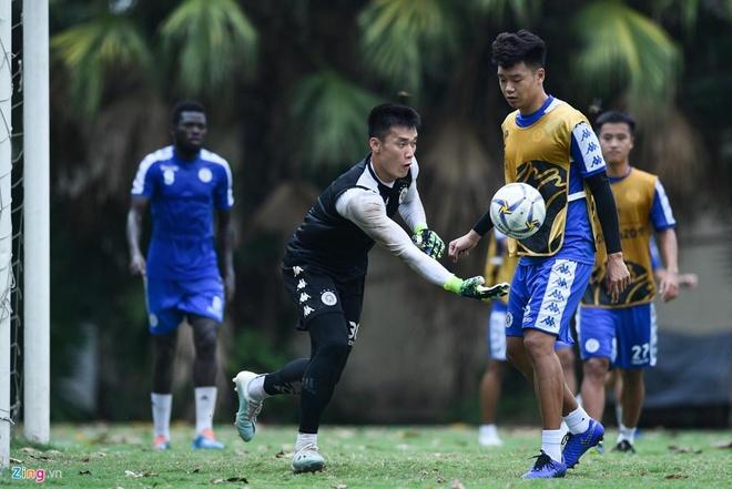 Quang Hai lap cu dup, CLB Ha Noi thang Altyn Asyr 3-2 tai AFC Cup hinh anh 7