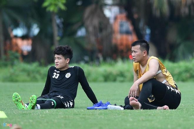 Quang Hai lap cu dup, CLB Ha Noi thang Altyn Asyr 3-2 tai AFC Cup hinh anh 8