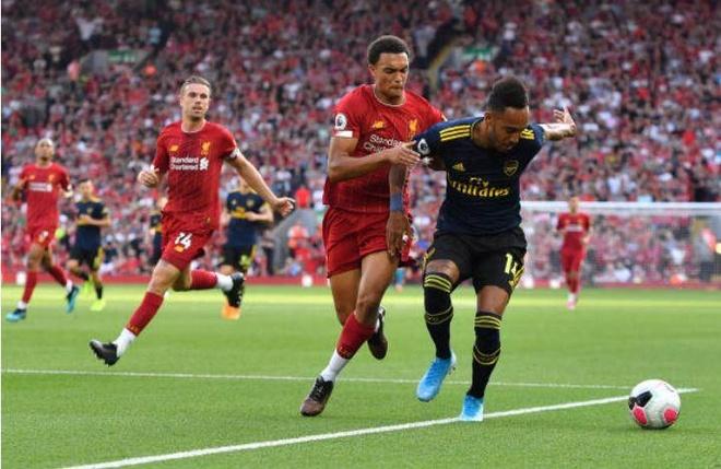 Salah lap cu dup giup Liverpool thang cach biet Arsenal hinh anh 16