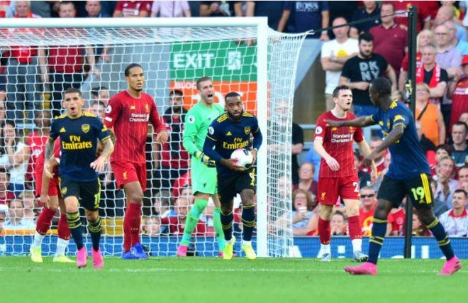 Salah lap cu dup giup Liverpool thang cach biet Arsenal hinh anh 39
