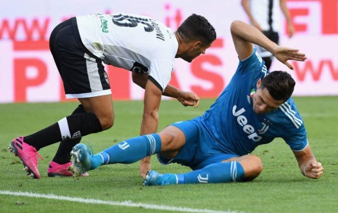 VAR lam hong tran mo man Serie A 2019/20 cua Ronaldo hinh anh 12