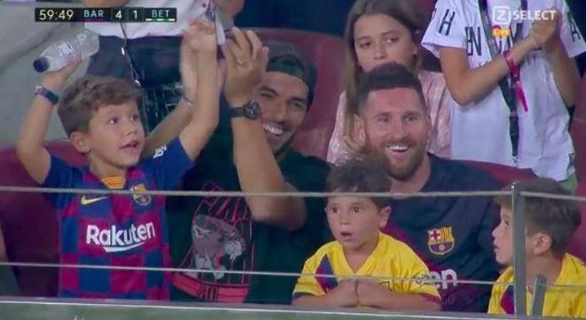 Messi ngo ngang vi con trai co vu Real Betis hinh anh 2