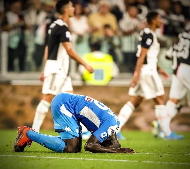 Ronaldo lap cong, Juventus ha Napoli o tran cau co 7 ban thang hinh anh 27