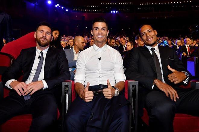 Ronaldo lap cong, Juventus ha Napoli o tran cau co 7 ban thang hinh anh 5