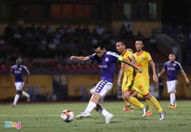 CLB Ha Noi 6-1 Nam Dinh: Van Quyet tham gia vao 5 ban thang hinh anh 1
