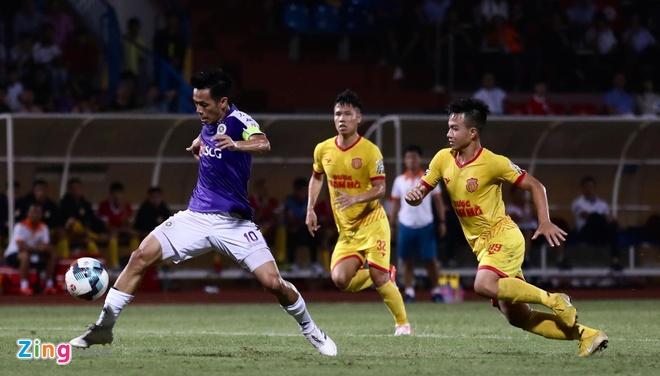 CLB Ha Noi 6-1 Nam Dinh: Van Quyet tham gia vao 5 ban thang hinh anh 15