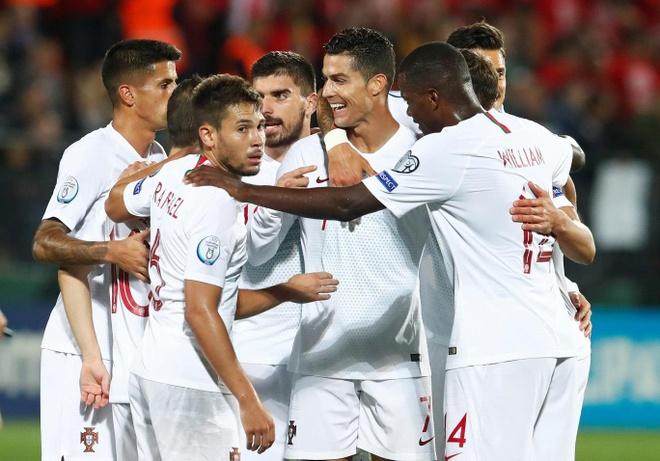 Ronaldo di vao lich su sau cu poker o vong loai Euro 2020 hinh anh 1