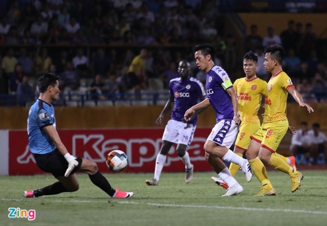 CLB Ha Noi 6-1 Nam Dinh: Van Quyet tham gia vao 5 ban thang hinh anh 16