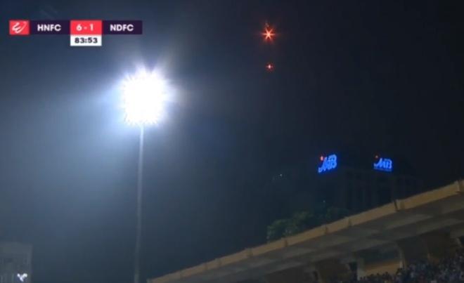 CLB Ha Noi 6-1 Nam Dinh: Van Quyet tham gia vao 5 ban thang hinh anh 21