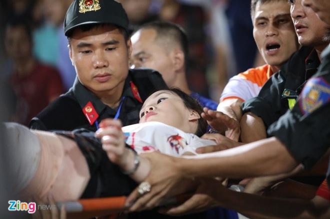 CLB Ha Noi 6-1 Nam Dinh: Van Quyet tham gia vao 5 ban thang hinh anh 19