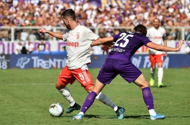 Ronaldo choi that vong trong ngay Juventus mat diem hinh anh 14