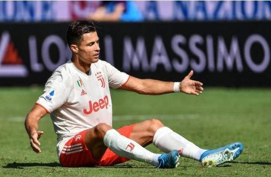 Ronaldo choi that vong trong ngay Juventus mat diem hinh anh 19