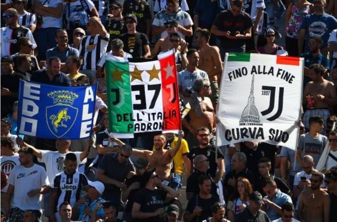 Ronaldo choi that vong trong ngay Juventus mat diem hinh anh 7
