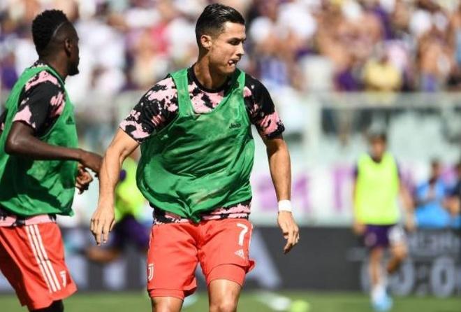 Ronaldo choi that vong trong ngay Juventus mat diem hinh anh 8