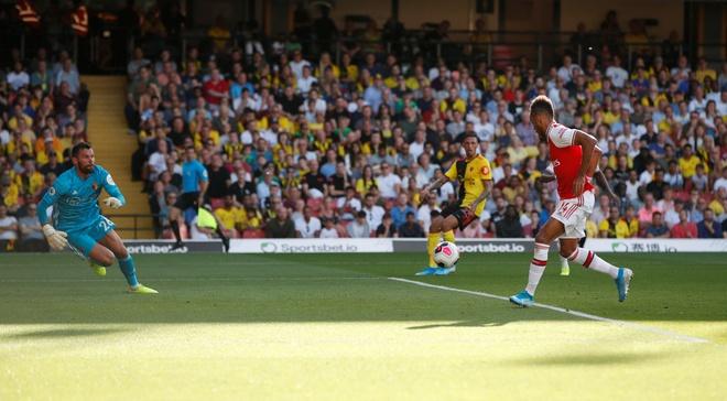 David Luiz sai lam khien Arsenal mat diem truoc Watford hinh anh 12