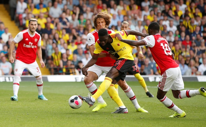 David Luiz sai lam khien Arsenal mat diem truoc Watford hinh anh 19