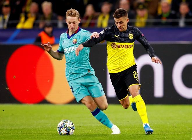 Reus da hong phat den khien Dortmund chia diem voi Barca hinh anh 13