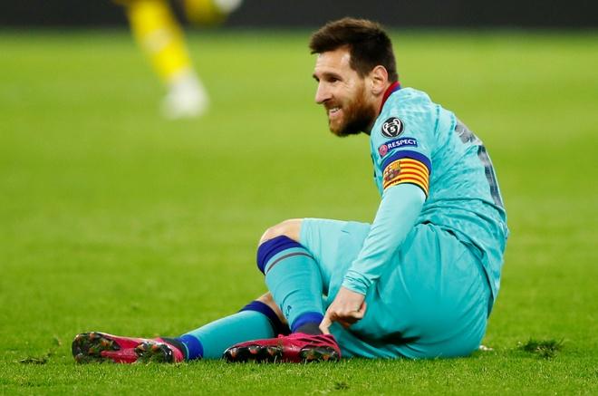 Reus da hong phat den khien Dortmund chia diem voi Barca hinh anh 26