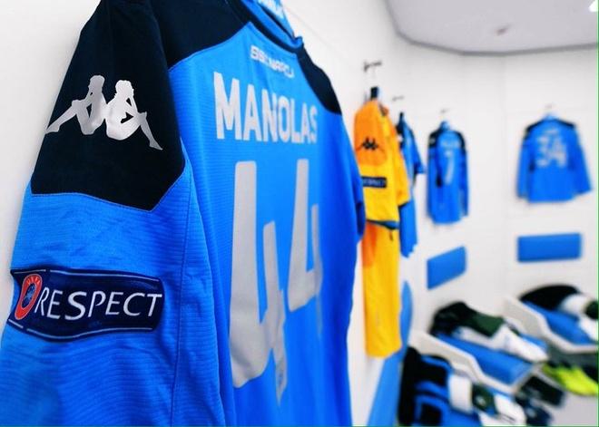 Van Dijk mac sai lam, Liverpool thua trang Napoli 0-2 hinh anh 7