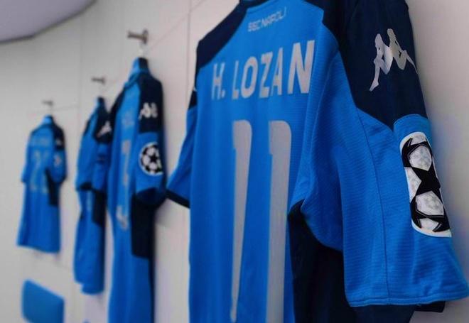 Van Dijk mac sai lam, Liverpool thua trang Napoli 0-2 hinh anh 8