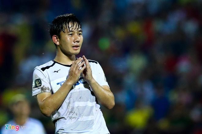 Minh Vuong lap hat-trick giup HAGL thang 5-1 hinh anh 1