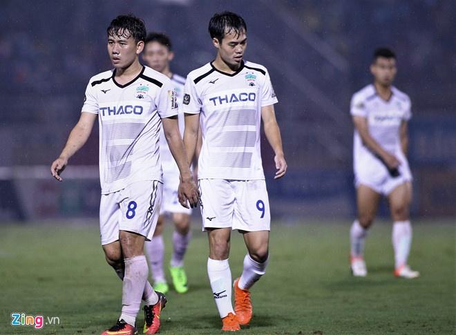 Minh Vuong lap hat-trick giup HAGL thang 5-1 hinh anh 3