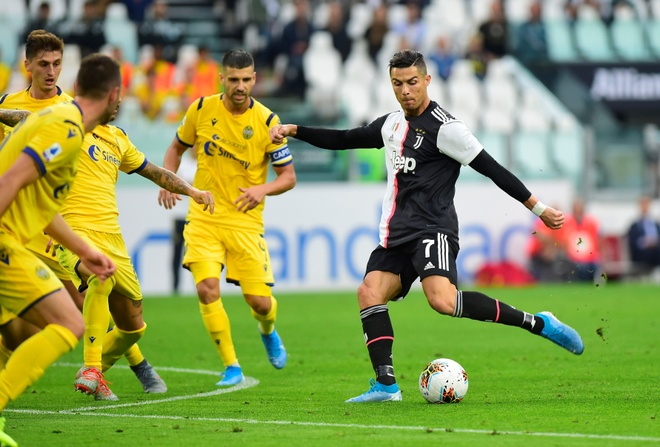 Ronaldo ghi ban va kien tao giup Juventus gianh 3 diem hinh anh 9