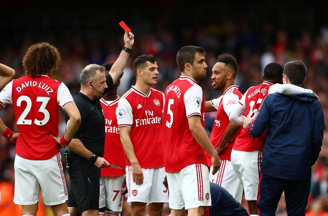 Arsenal nguoc dong ha Aston Villa voi 10 nguoi hinh anh 12