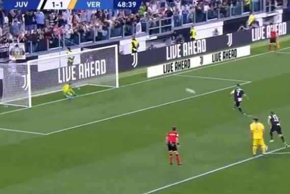 Ronaldo ghi ban va kien tao giup Juventus gianh 3 diem hinh anh 14