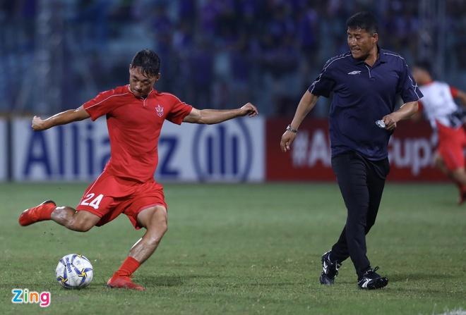 CLB Ha Noi bi cam hoa 2-2 o chung ket lien khu vuc AFC Cup hinh anh 10