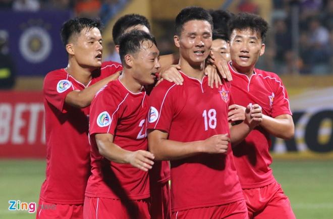 CLB Ha Noi bi cam hoa 2-2 o chung ket lien khu vuc AFC Cup hinh anh 23