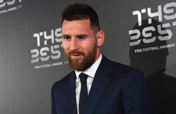 Messi làm ngơ MC ở gala The Best