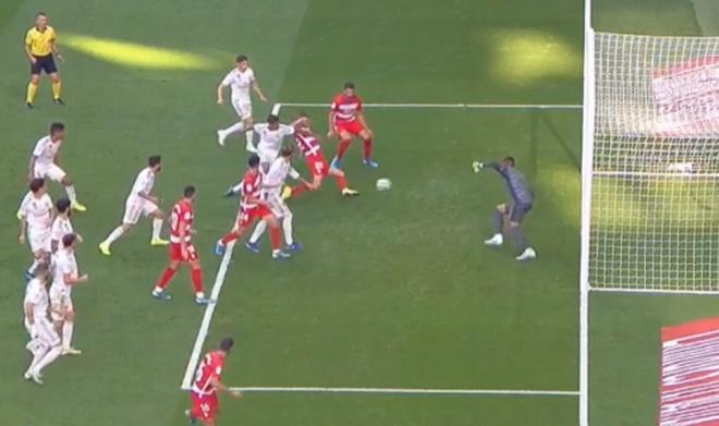 Hazard ghi ban giup Real giu vung ngoi dau La Liga hinh anh 19