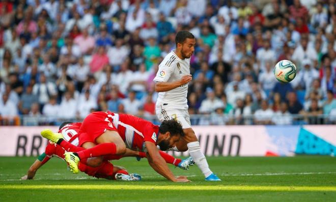 Hazard ghi ban giup Real giu vung ngoi dau La Liga hinh anh 2